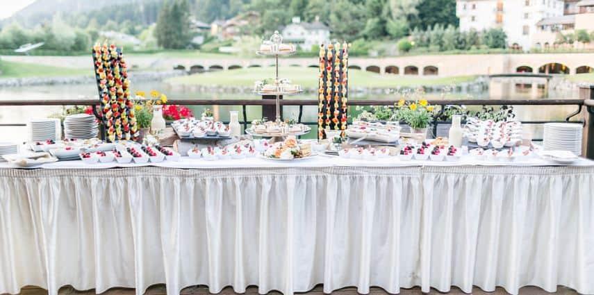 Hochzeit im Sommer: Wenn Sonne und Brautpaar um die Wette strahlen…